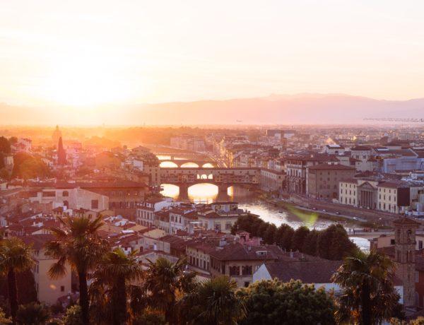 Ville de Florence au couché de soleil
